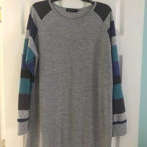 Women's long sleeve tunic shirt.  Size XXL